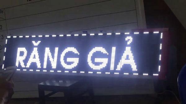 bang led chay chu