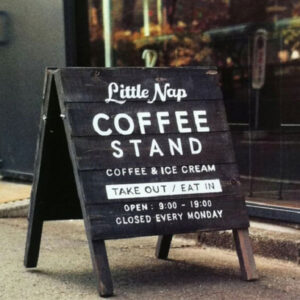 bảng quảng cáo đứng